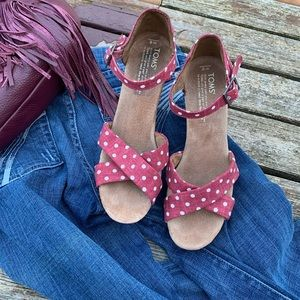 Toms pink polka Dot Wedge Sandals W8